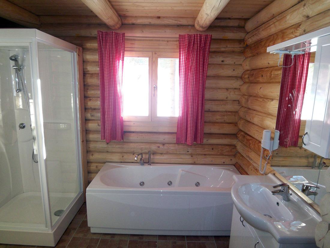 Luxus Badewanne Mit Dusche : Luxus Badewanne Mit Dusche : Luxus mit finnischer Sauna, Bad mit zwei